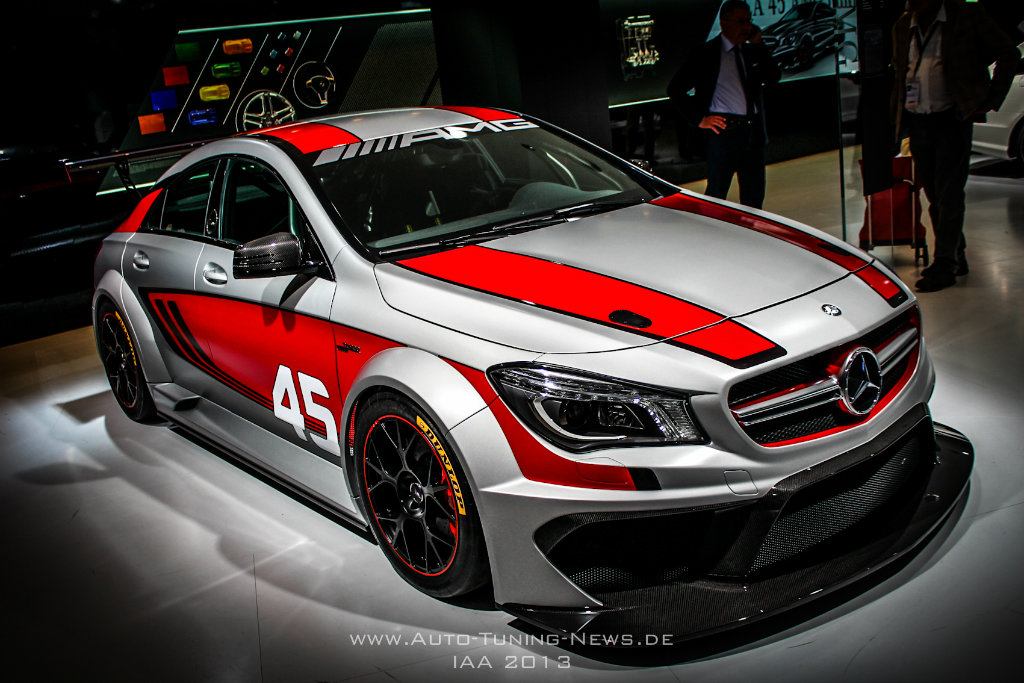 iaa 2013 live fotos vom mercedes cla 45 amg racing series. Black Bedroom Furniture Sets. Home Design Ideas