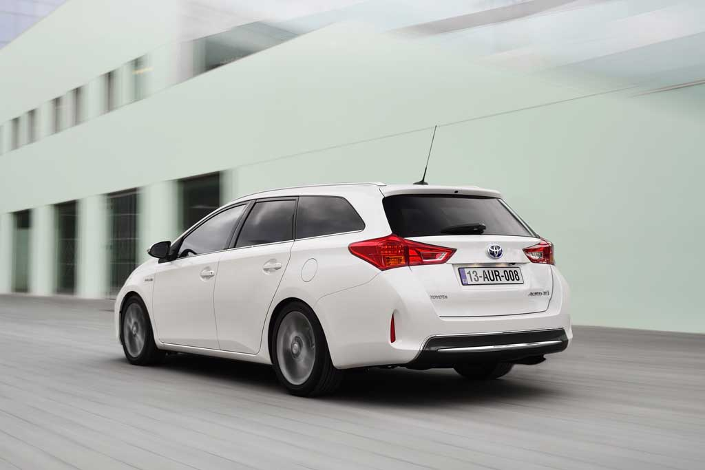 toyota auris touring sports vollhybrid kombi auto. Black Bedroom Furniture Sets. Home Design Ideas